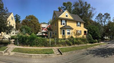 Medford Single Family Home For Sale: 26 Irving St
