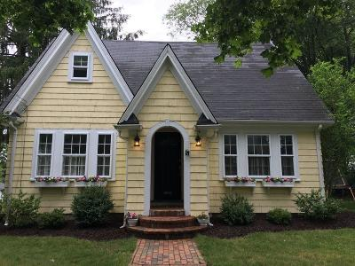 Hingham Single Family Home For Sale: 10 Colby Rd