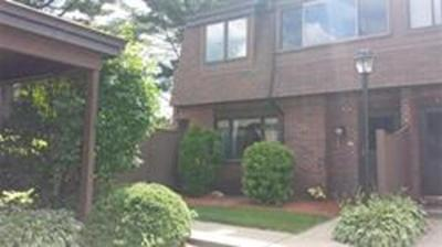 Stoughton Condo/Townhouse Under Agreement: 200 Greenbrook Dr #200