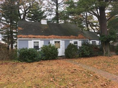 Wellesley Single Family Home For Sale: 16 Bay View Rd