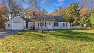 Mashpee Single Family Home For Sale: 17 Weather Crescent Cir