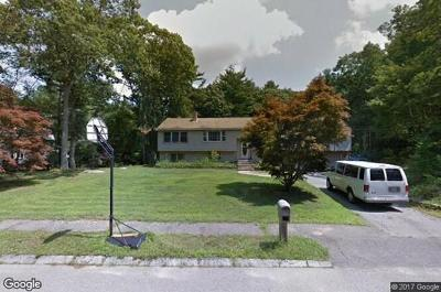 Foxboro Single Family Home Under Agreement: 14 Forest Rd