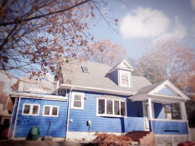 Milton Single Family Home Under Agreement: 80 Victoria St