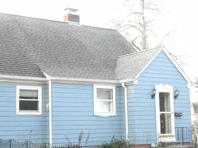 Attleboro Single Family Home For Sale: 67 Mulberry St