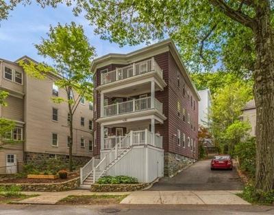 Brookline MA Condo/Townhouse New: $699,000