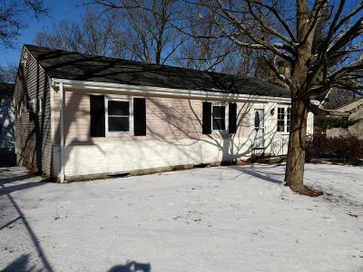 Bellingham Single Family Home For Sale: 85 Indian Run Rd