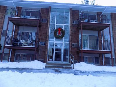 Andover Condo/Townhouse For Sale: 14 Longwood #3