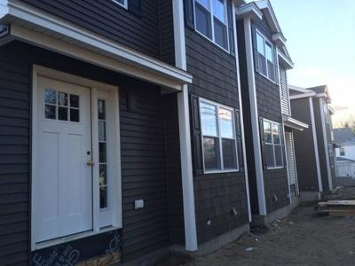 Billerica, Chelmsford, Lowell Condo/Townhouse For Sale: 4 Fairview Street #10