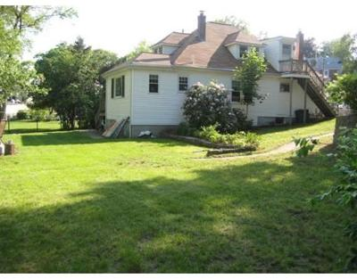 Dedham Single Family Home For Sale: 11 E Riverside Dr