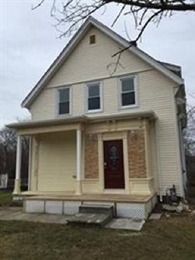 Avon Single Family Home For Sale: 174 Pond St