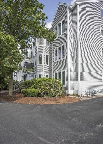 Stoughton Condo/Townhouse For Sale: 76c Kim Terrace #C