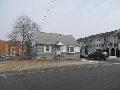 Lowell Single Family Home For Sale: 107 Hildreth Street