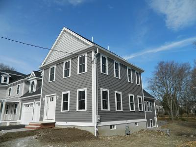 Medfield Single Family Home For Sale: 82 Pleasant St.