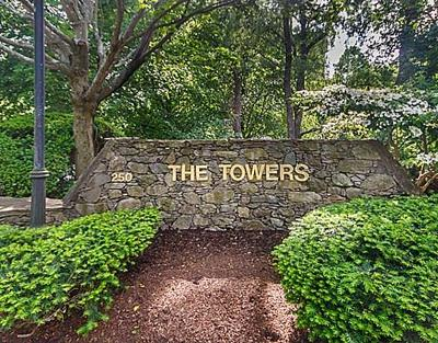 Newton Condo/Townhouse For Sale: 250 Hammond Pond Pkwy #508