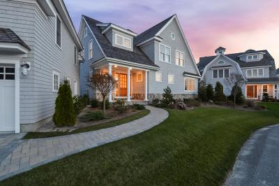 Mashpee Single Family Home For Sale: 114 Shore Drive West