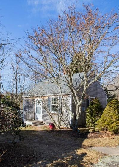 Falmouth Single Family Home For Sale: 328 Boxberry Hill Rd