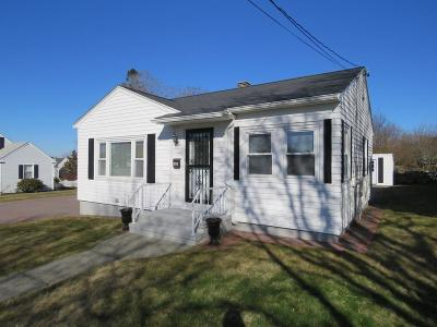Single Family Home For Sale: 355 Dolphin St