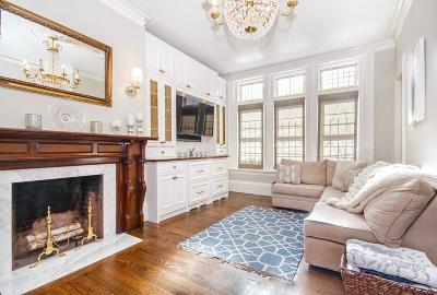 Condo/Townhouse For Sale: 243 W Newton #1