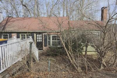 Norwell Single Family Home For Sale: 33 Leigh Rd