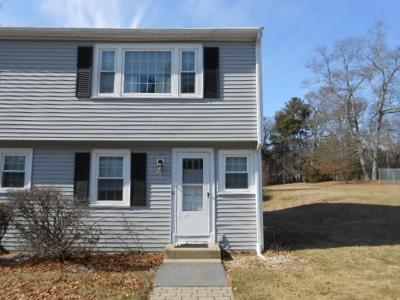 Middleboro Condo/Townhouse Under Agreement: 150 Wood St #U