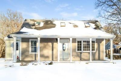 Yarmouth MA Single Family Home Price Changed: $176,000