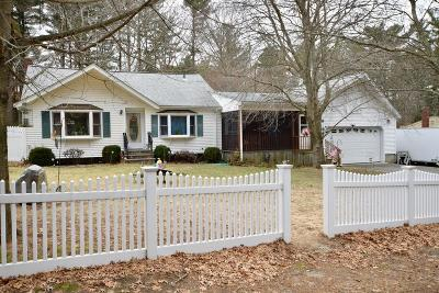 Bridgewater Single Family Home For Sale: 20 Bridge St