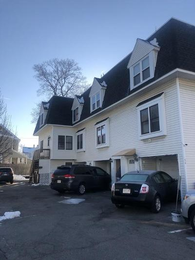 Lowell Condo/Townhouse Contingent: 54 Gates St #5