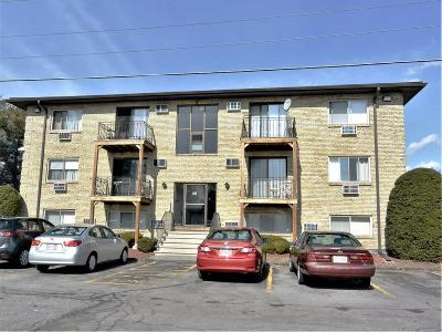 Lowell Condo/Townhouse For Sale: 355 Pawtucket Blvd #6