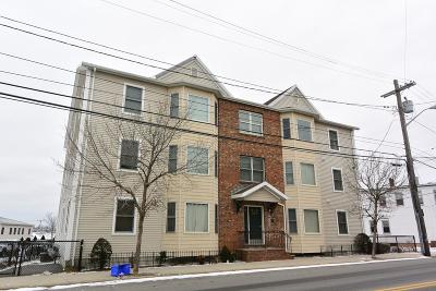 Revere Condo/Townhouse Under Agreement: 291 Revere St #8