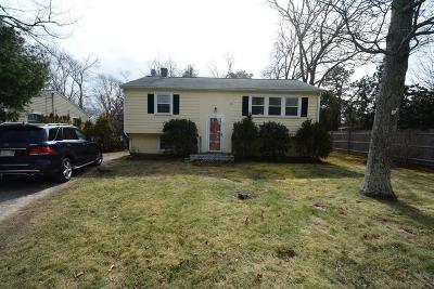 Falmouth Single Family Home For Sale: 31 Winchester Dr