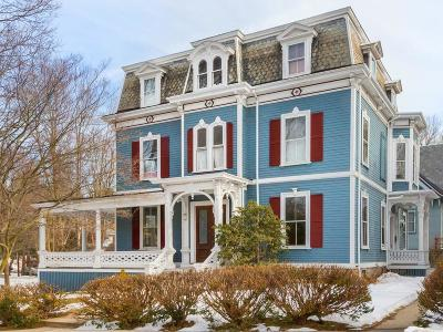 Newton Single Family Home Contingent: 104 Eldredge St