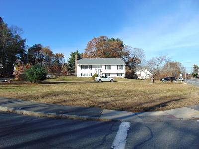 Wakefield Single Family Home Under Agreement: 74 Old Nahant Road