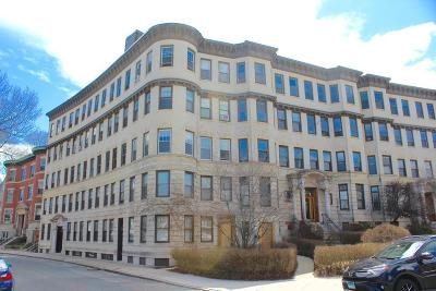 Condo/Townhouse Under Agreement: 5 Braemore Rd #19