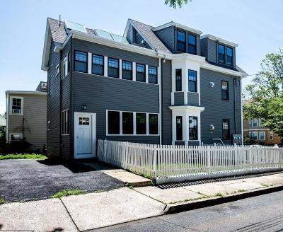 Somerville Condo/Townhouse For Sale: 195 School St #3
