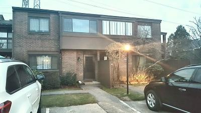 Stoughton Condo/Townhouse Under Agreement: 74 Rosewood Dr #74