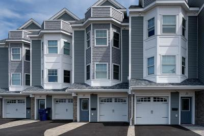 Hull Condo/Townhouse For Sale: 18 Rockland Cir. #3