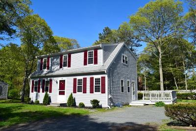 Barnstable Single Family Home For Sale: 42 Greenbrier Ln