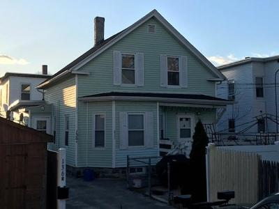 Lowell Single Family Home For Sale: 136r Jewett St
