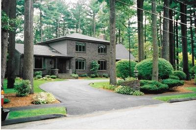 Lynnfield MA Single Family Home Under Agreement: $1,169,000