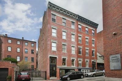 Boston MA Condo/Townhouse New: $1,154,000