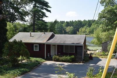 Middleboro Single Family Home For Sale: 47 Lake Shore Drive.