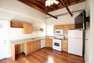 Rental For Rent: 42 Delle Ave #2