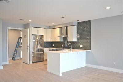 Condo/Townhouse New: 150 West Broadway #11