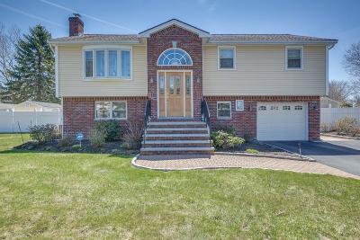 Burlington Single Family Home Under Agreement: 9 Heritage Way