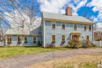 Woburn Single Family Home Under Agreement: 89-91 Pearl St