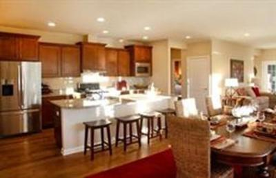 Holliston Condo/Townhouse For Sale: 9 Madison Dr #32