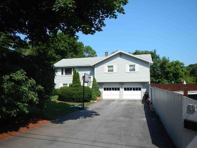 Gloucester Single Family Home For Sale: 11 Orchard Rd