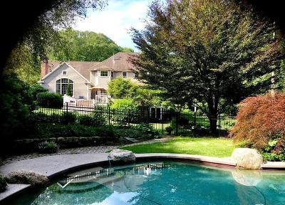 Southborough MA Single Family Home Price Changed: $1,195,000