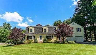 Westwood Single Family Home For Sale: 26 Fox Hill St