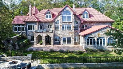 West Brookfield Single Family Home For Sale: 19 Hill Brook Dr